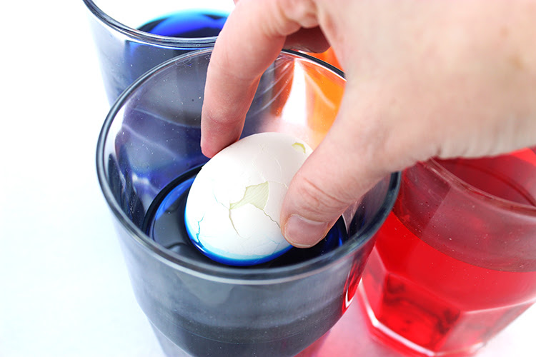 Magic Mosaic Easter Egg Coloring | How To Dye Eggs