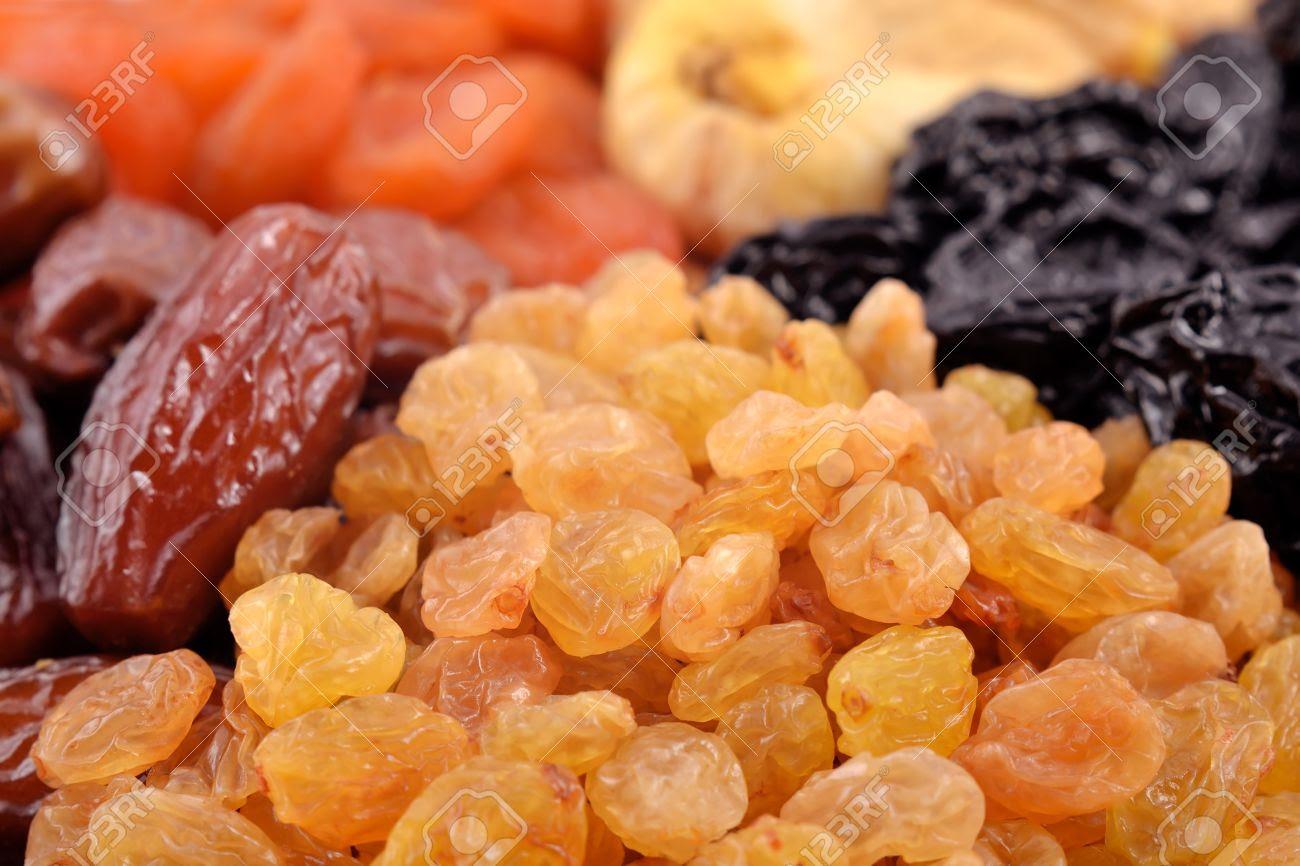 """Résultat de recherche d'images pour """"fruits secs, raisins secs, pruneaux"""""""