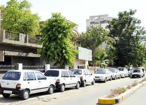 Govt mulls incentives on discarding old cars