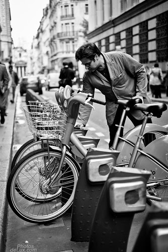 Paris Street Photography No.1 - Fuji X-Pro 1