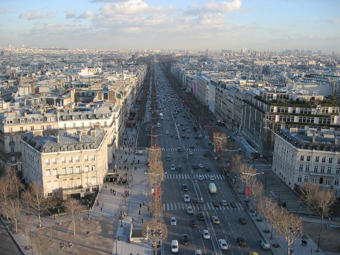 Archivo:Champs elysees.700px.jpg