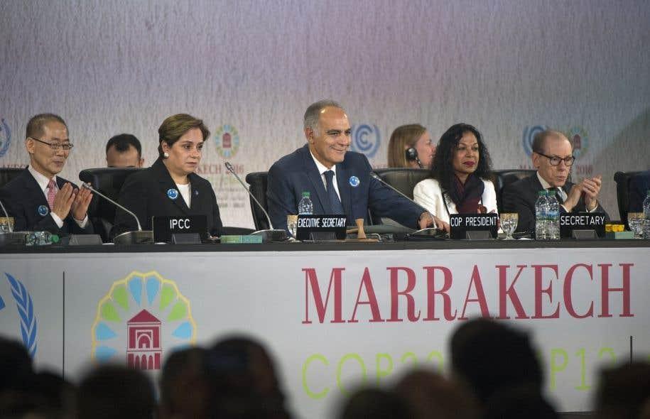 Les négociateurs réunis au Maroc pour la COP22 ne cachaient pas leur nervosité lundi, dans l'attente du verdict des électeurs américains mardi.