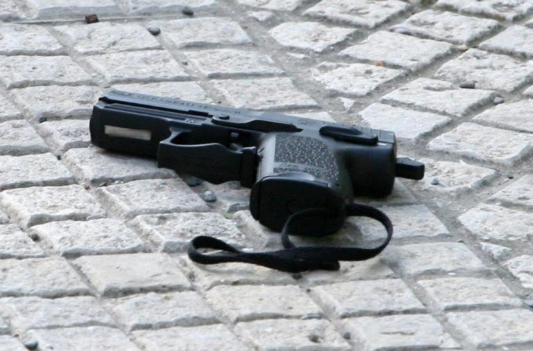 pistoli_-768x507
