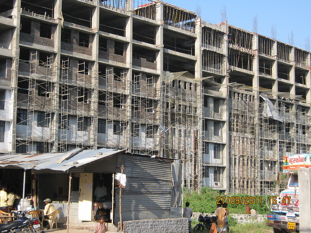 Site of Pinnac West-End Residency, 2 BHK Flats, is behind Sinhagad College, at Warje, Pune