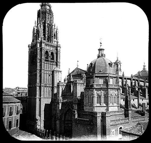 Catedral de Toledo con la Torre del Reloj antes de su demolición en 1888