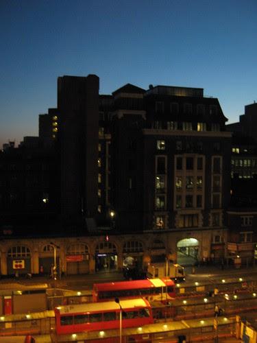 83-London Dawn