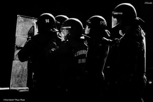 Belleza de una protesta, Santiago Chile by Alejandro Bonilla