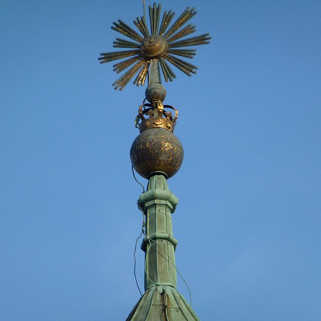 Solna kyrka spira 2012.jpg