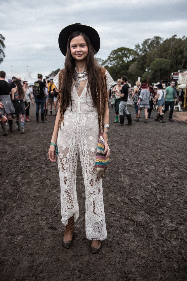 19 style tips for summer festival outfits that women