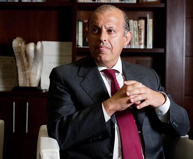 SAO PAULO, SP, BRASIL, 01-03-2012, 15h00: O advogado Alberto Toron fala sobre o caso PanAmericano, no escritório do advogado Alberto Toron. (Foto: Leticia Moreira/ Folhapress, MERCADO) *** FOTO EM ARTE E NÃO INDEXADA ***