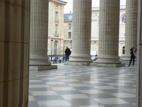 colonnes panthéon.jpg
