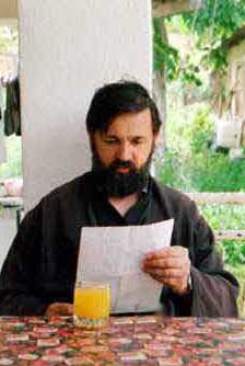 archipretre Miroslav Popadic