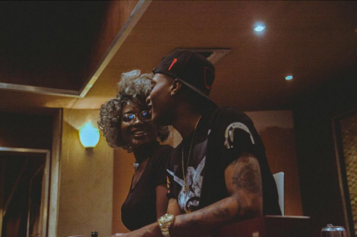efya-and-wizkid-working-in-the-studio-768x510