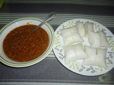 zulfaza loves cooking kuah kacang nasi impit