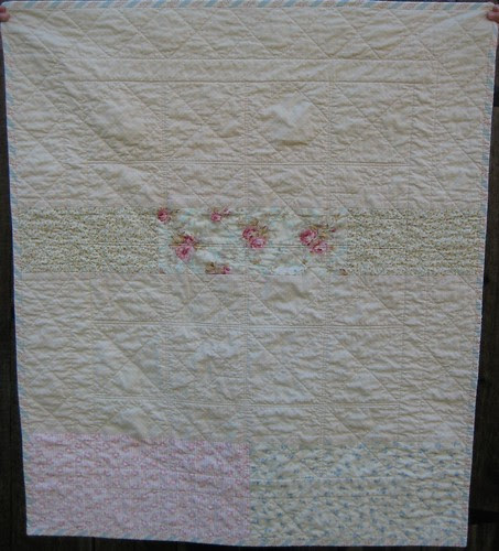 vintage-look baby quilt back by Poppyprint