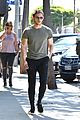 jamie bell flaunts toned arms on his way to lunch 05