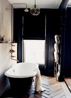 by domino via habitually chic jenna lyons bathroom
