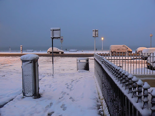Snow by raworth.