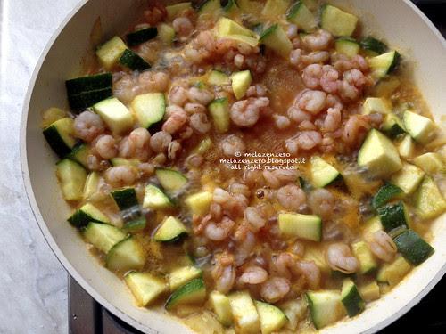 Frutti di mare con curry e zucchina