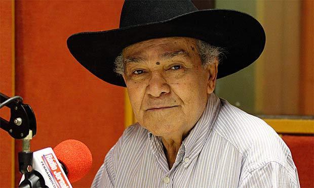 Gino César comandou por mais de 30 anos o programa Bandeira 2 / Foto: Clemilson Campos/Acervo JC Imagem