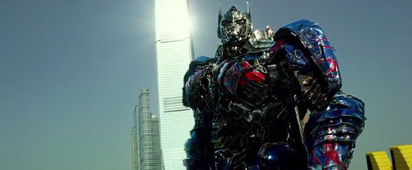 Optimus Prime is ready to fight the Decepticons again in TRANSFORMERS: AGE OF EXTINCTION.