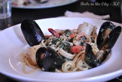 Seafood Spaghetti with white wine sauce RM30