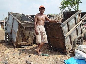 Jakarta slumlife34