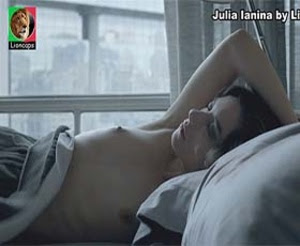Julia Ianina nua na serie psi