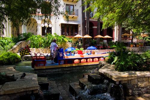 riverwalk_tour_boat_s