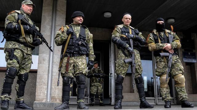 Вооруженные люди захватили горсовет Донецка