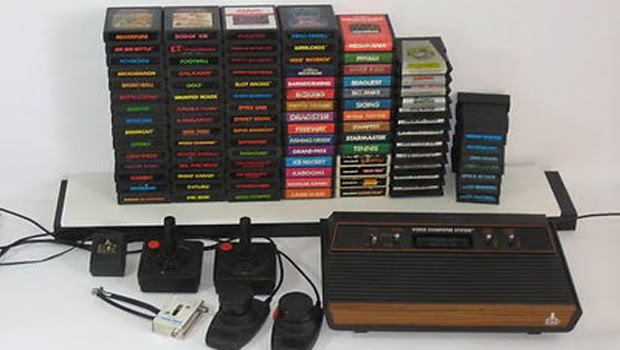 Atari 2600 e seus cartuchos (Foto: Divulgação)