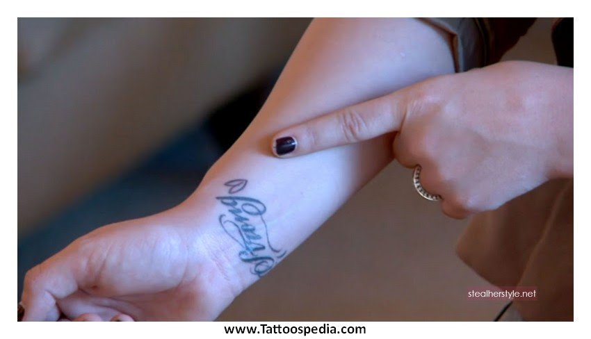 Cross Tattoos On Hand Meaning 4