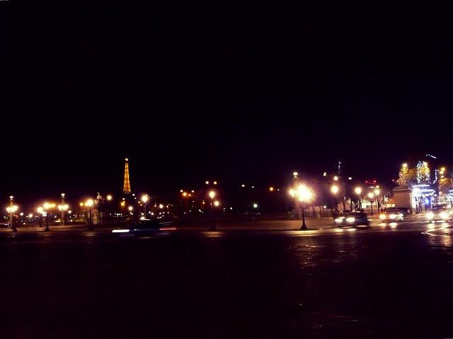 Champs-Elysées at night