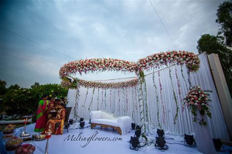 Tips And Ideas For The Best Wedding Stage Decorations