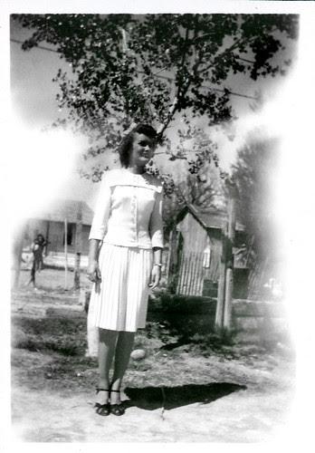 Gloria in white dress 02