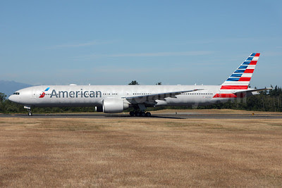 American Airlines Boeing 777-323 ER N725AN (msn 41666) PAE (Nick Dean). Image: 913123.