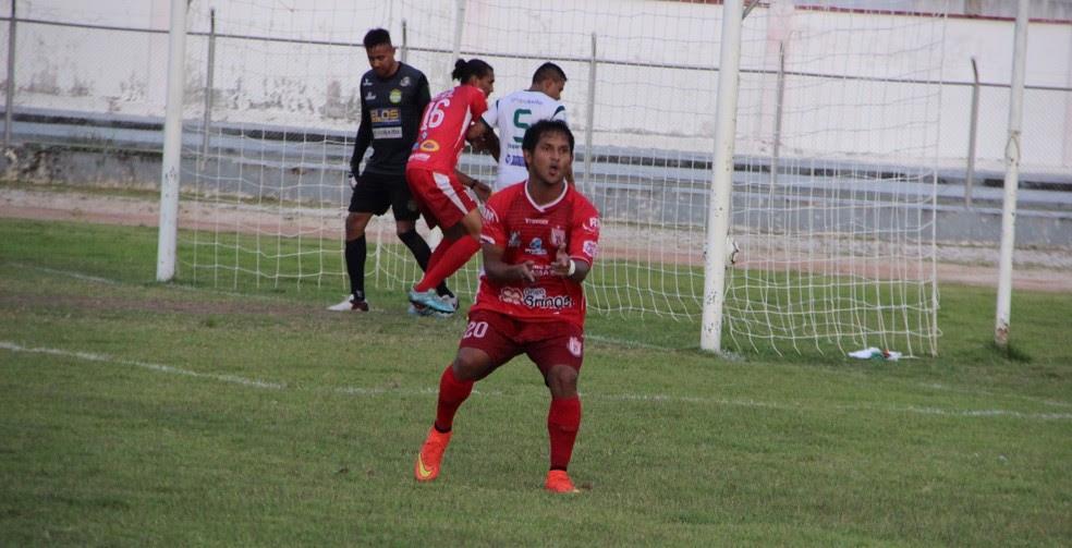Weverton é o artilheiro da Série D, com nove gols, mas seu time, Princesa-AM, foi eliminado pelo Gurupi-TO (Foto: Marcos Dantas)