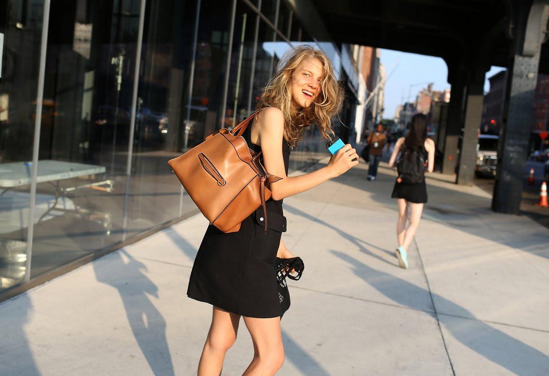 http://media.vogue.com/r/h_1600,w_1240/2015/09/09/19vogue_casting_street_style.jpg