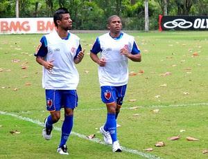 Léo Moura e Junior Cesar  no treino do Flamengo (Foto: Richard Souza / Globoesporte.com)