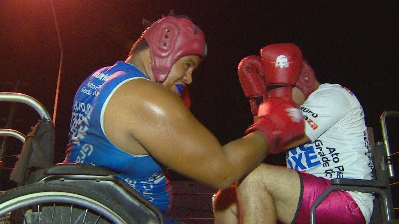 Resultado de imagem para Cadeirante se encontra no boxe e vira exemplo de superação para companheiros