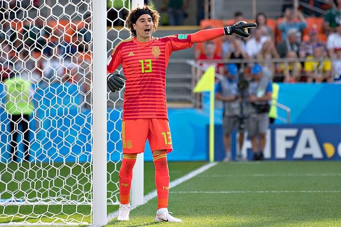 Ochoa, durante un juego del Tri en el Mundial