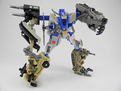 Transformers Searchlight Power Core Combiners - modo combinado con Combaticons