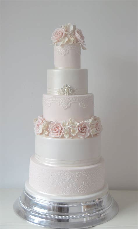 Pink and ivory wedding cakes   idea in 2017   Bella wedding