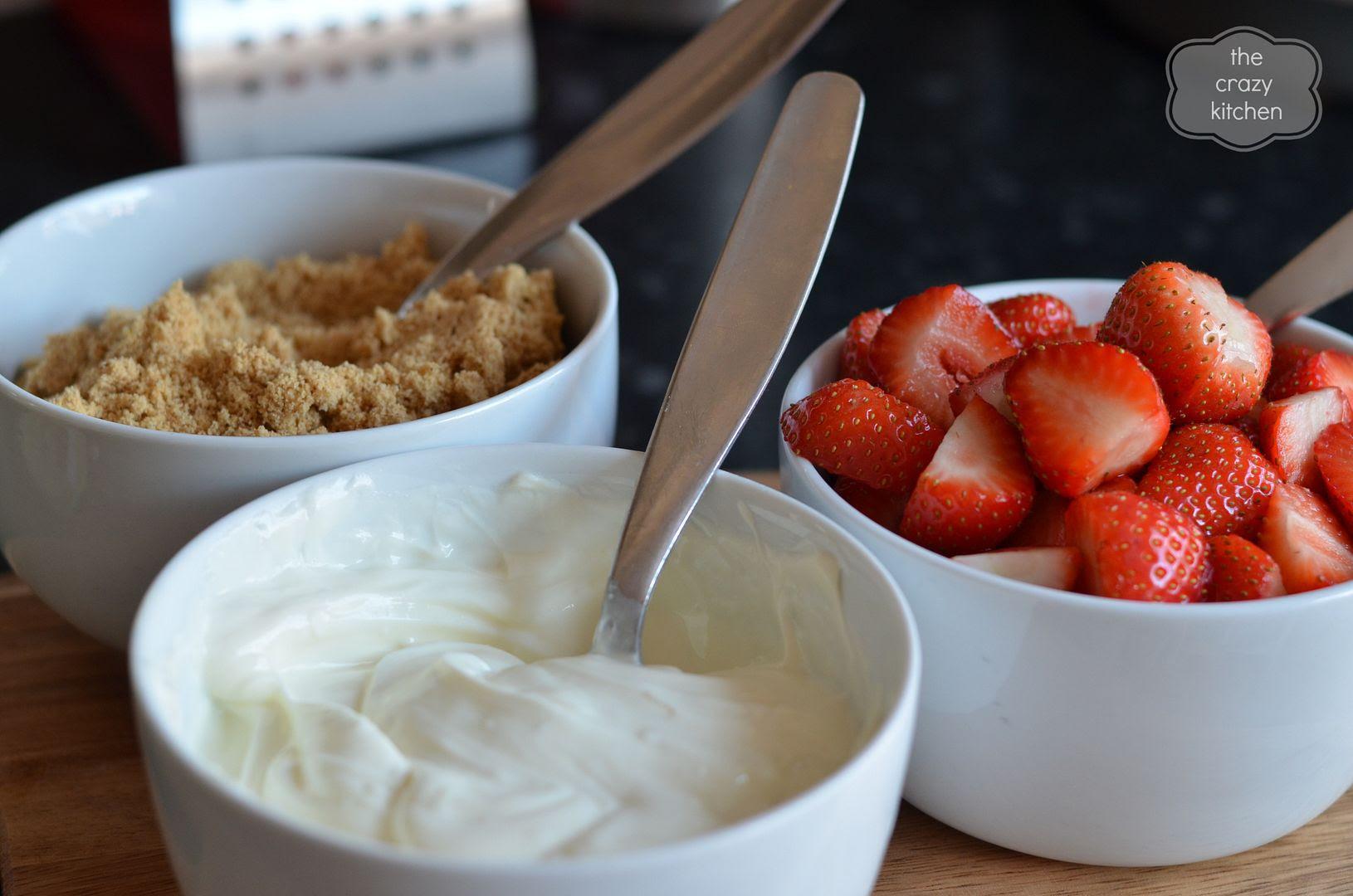 strawberry cheesecake sundae