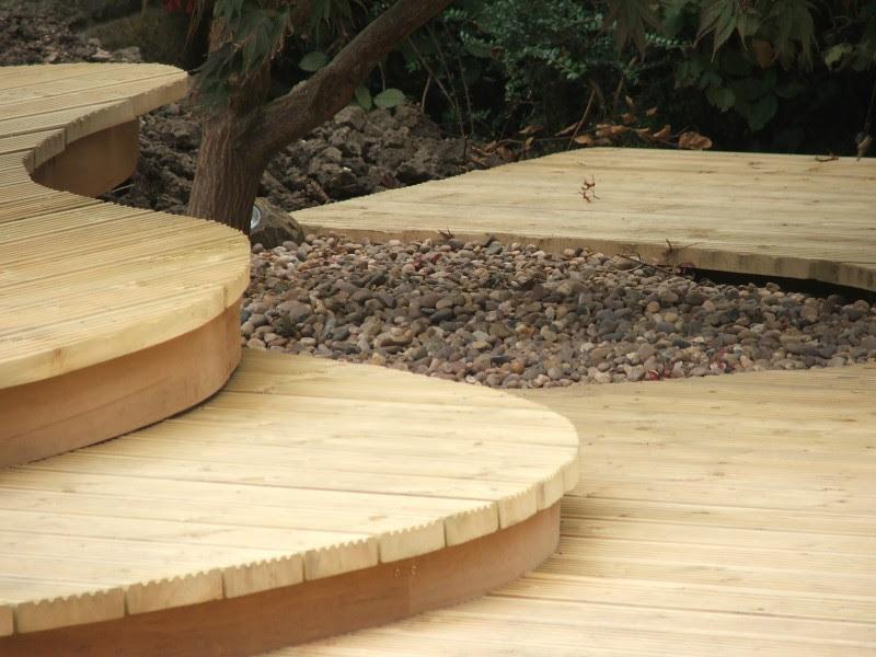 2 Karen Moore curved deck