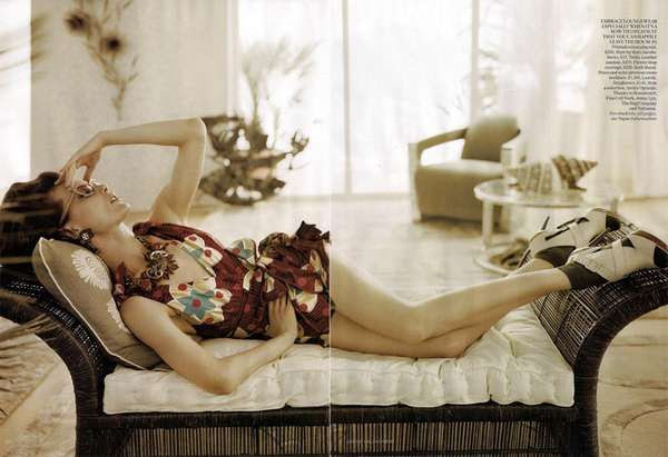 Retro Housewife Fashion - Vogue UK June 2010 Far From Heaven Shoot is Sitting Pretty (GALLERY)