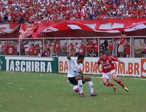 Netinho é arma do América-RN contra o Goiás (Foto: Augusto Gomes/GLOBOESPORTE.COM)