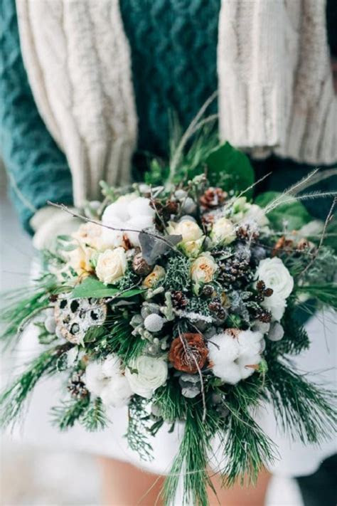30 Red and Green Scandinavian Winter Wedding Ideas   Deer