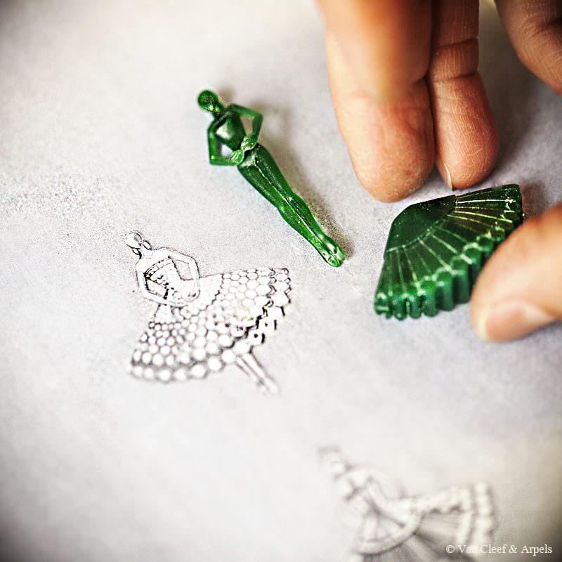 modelo-broche-clip-bailarina-vancleefandarpels