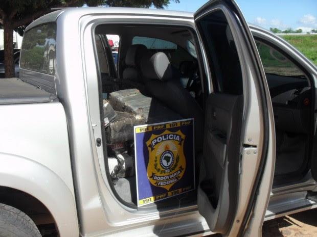 Interior do veículo também escondia droga (Foto: Polícia Rodoviária Federal)